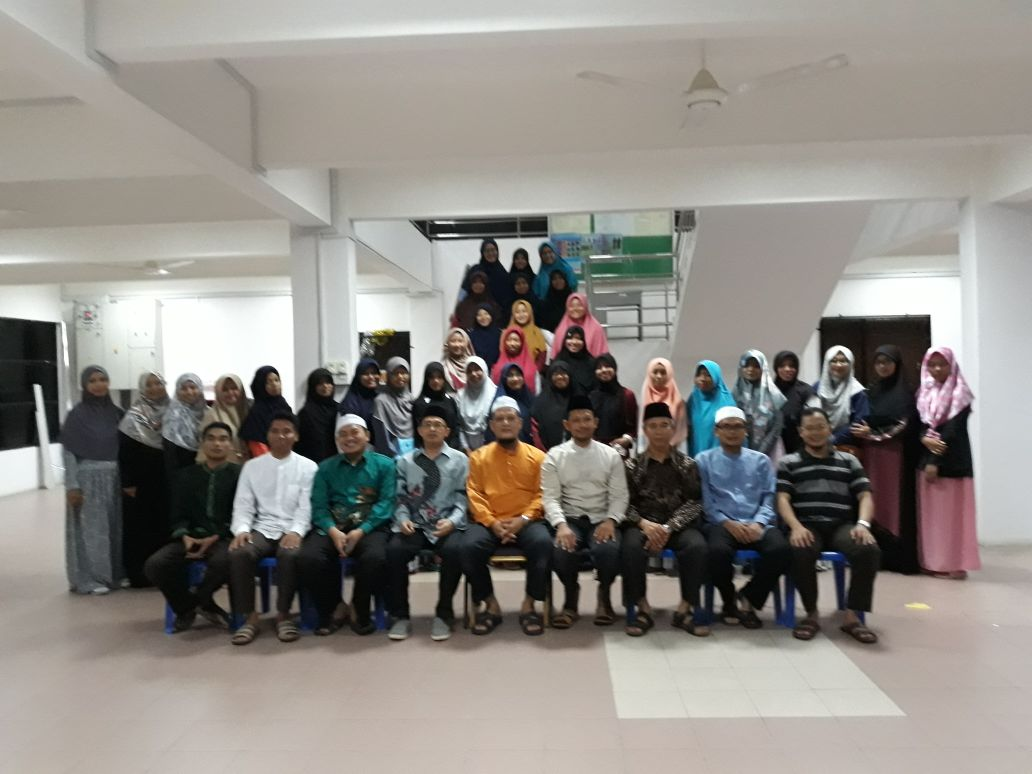 Mahasiswi UNIDA Gontor Silaturrahim dengan IKPM Cabang Brunei