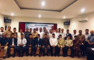 Pimpinan PMDG Tanda tangani Sertifikat Wakaf IKPM Gontor Cabang Sulselbar