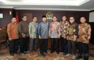 Forbis IKPM Gontor Silaturrahim ke Dr Hidayat Nur Wahid