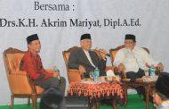 Galeri Foto Bincang Tokoh bersama KH Drs. Akrim Mariyat Dipl. A.Ed.