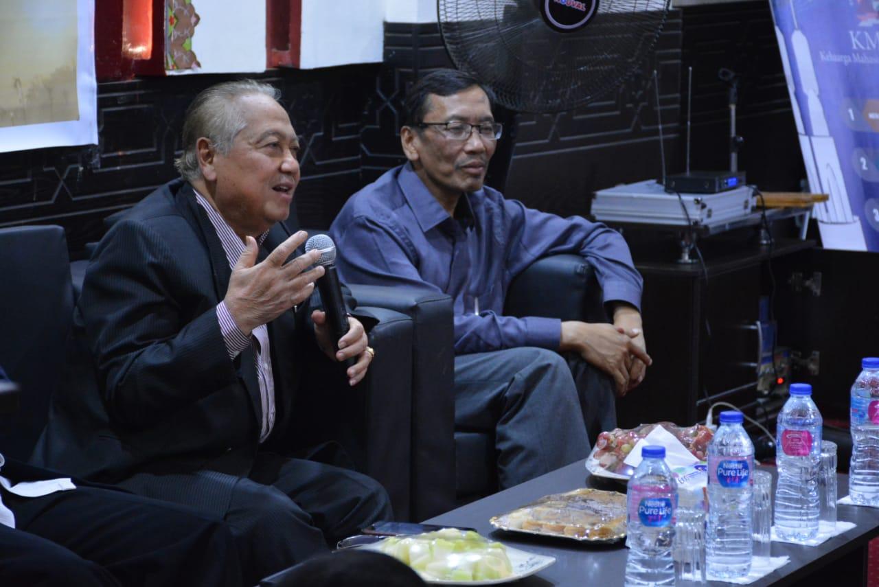Prof. Dr. KH Amal Fathullah Zarkasyi Beri Nasehat ke Warga IKPM Gontor Cabang Kairo