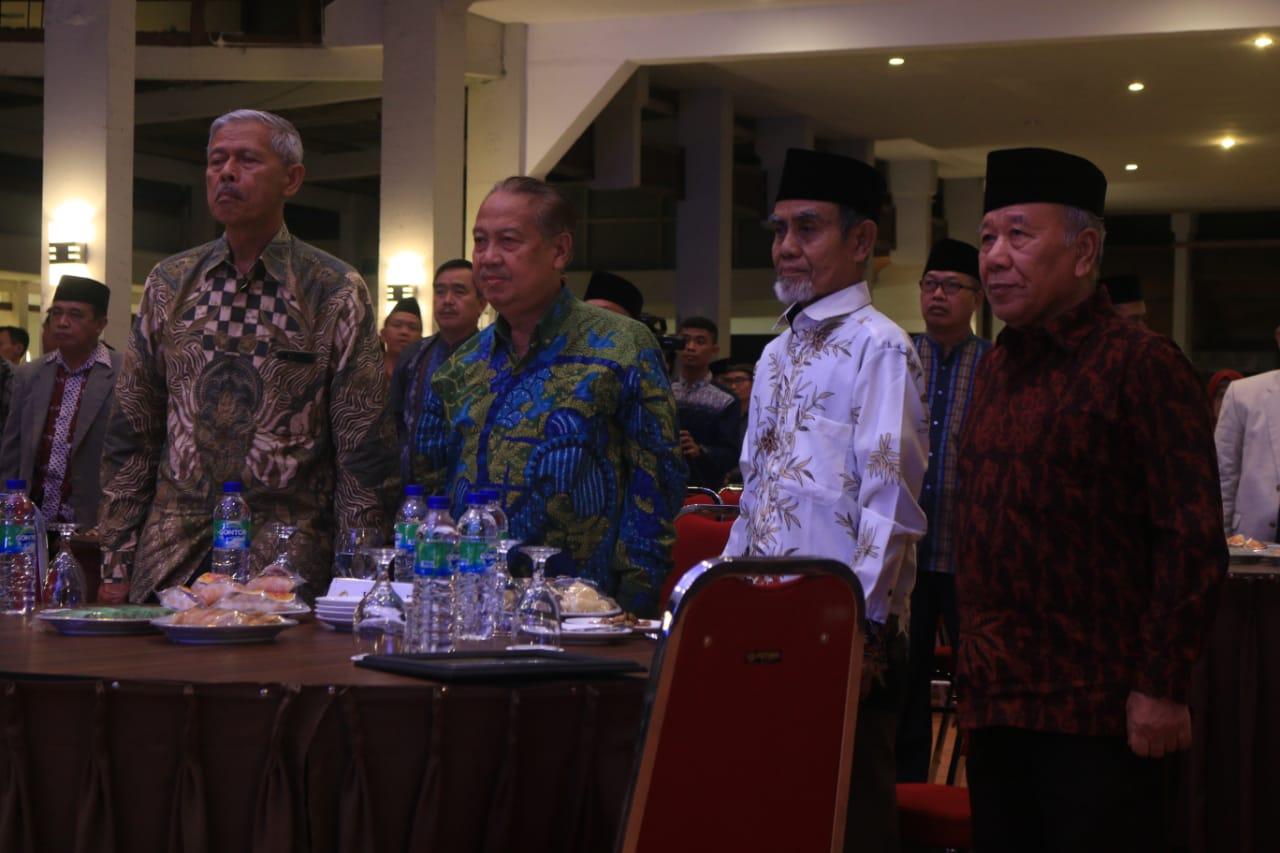 Pimpinan PMDG Silaturrahim dengan IKPM di Pangandaran