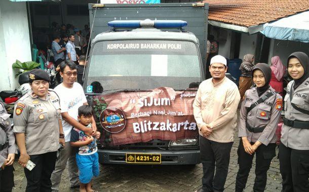 Alumni Gontor 2005 Blitza Bantu Korban Banjir Jakarta